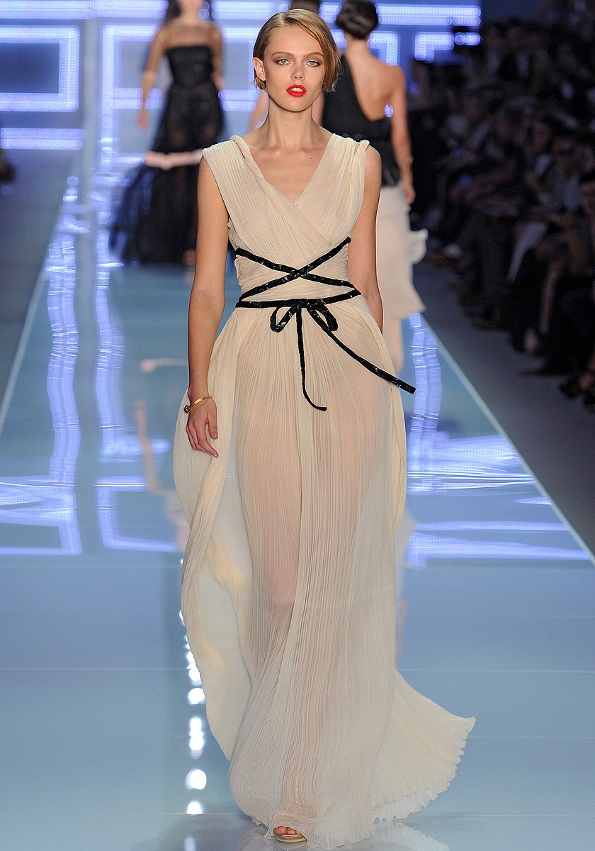 Christian dior spring 2012 taryn cox the wife for 2012 dresses