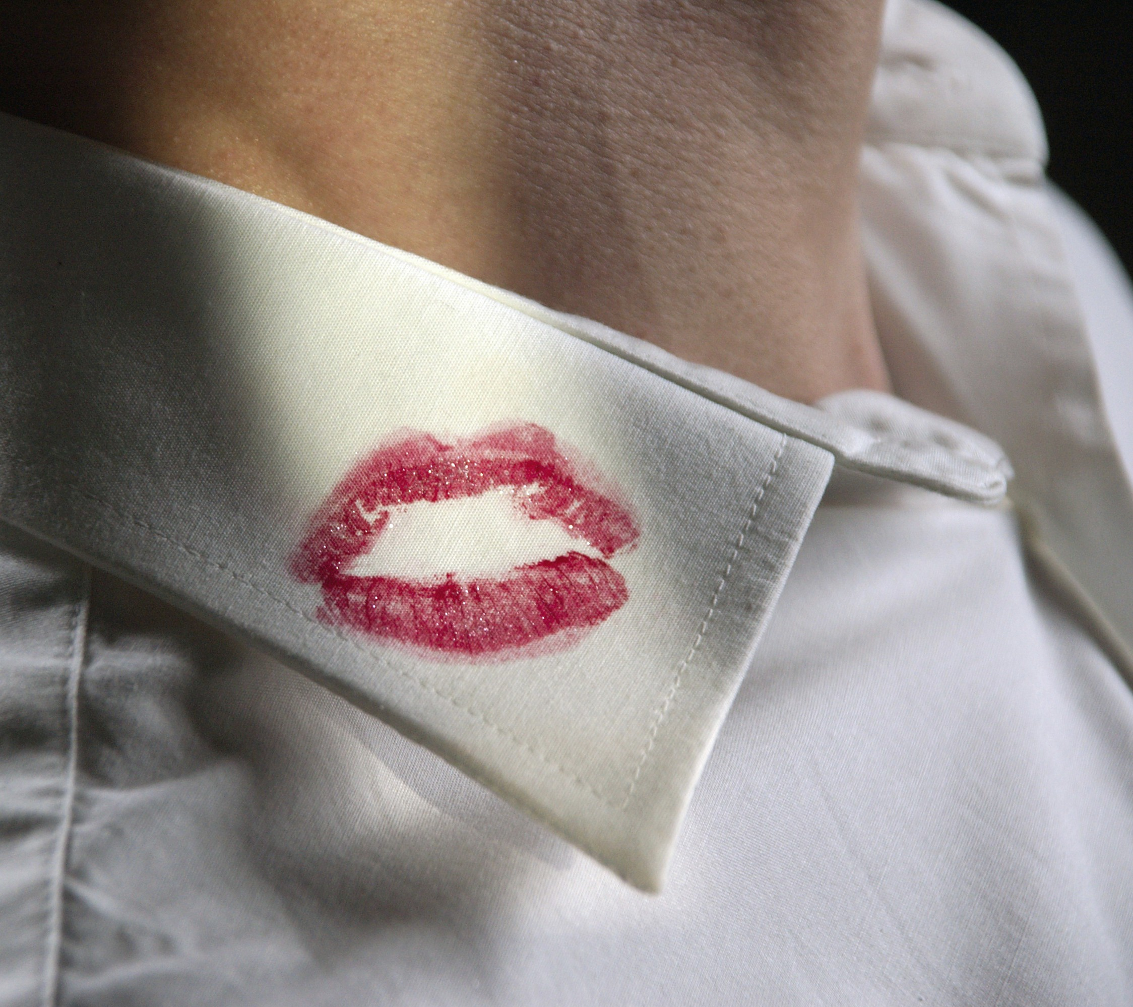 Tips For The Wife Removing Lipstick Stains Taryn Cox